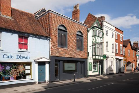 3 bedroom flat - Crane Street, Salisbury
