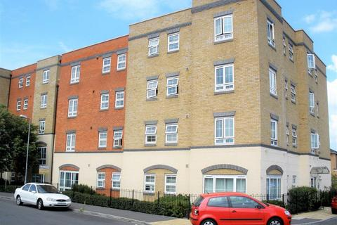 2 bedroom flat for sale - Holyhead Mews, Burnham