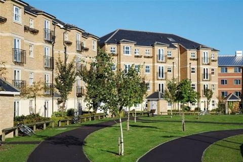 3 bedroom flat to rent - Venneit Close, Oxford