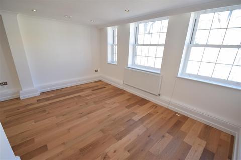 3 bedroom flat to rent - Star Street, London