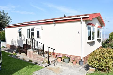 2 bedroom detached bungalow for sale - Coast Road, Ffynnongroyw, Holywell