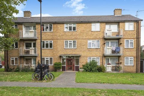 2 bedroom flat for sale - Beaconsfield Close, Chiswick