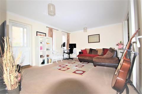 1 bedroom flat for sale - Sudbury Court , Glanford Way, Chadwell Heath , RM6 4UJ