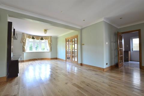 4 bedroom semi-detached house to rent - Lodge Lane, Redhill, Surrey, RH1