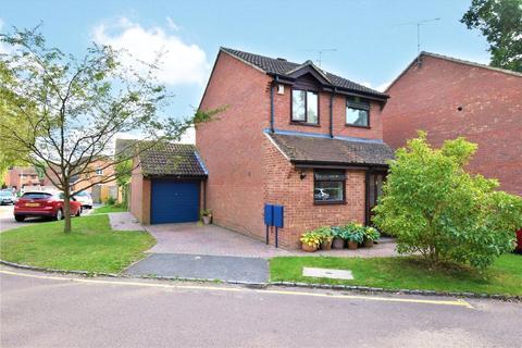 3 bedroom link detached house for sale - Cross Gates Close, Bracknell, Berkshire, RG12