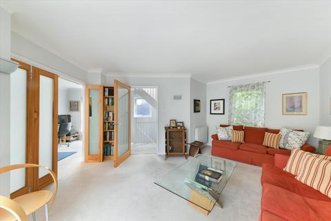 2 bedroom townhouse to rent - Queen Elizabeth Street, London, SE1