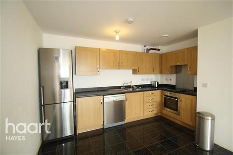 2 bedroom flat to rent - Hayes