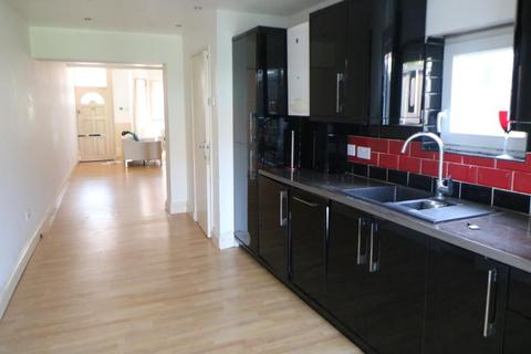 2 bedroom terraced house to rent - Tramway Avenue, Edmonton, N9