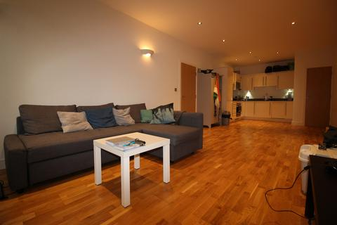 1 bedroom flat to rent - Weirview Place, Catteshall Lane, Godalming GU7