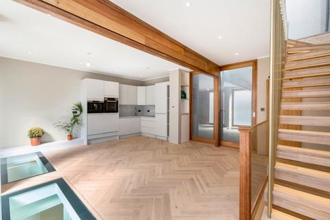 3 bedroom mews to rent - Gloucester Mews West London W2