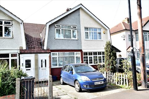 2 bedroom terraced house for sale - The Drive, Feltham, Middlesex, TW14