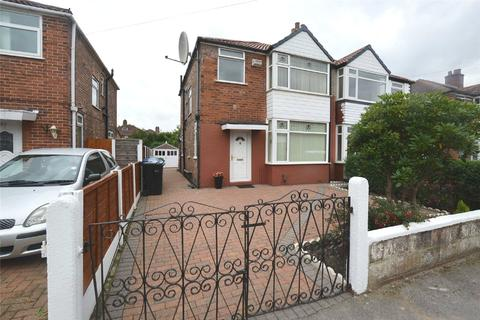 3 bedroom semi-detached house to rent - Milton Road, Stretford, M32