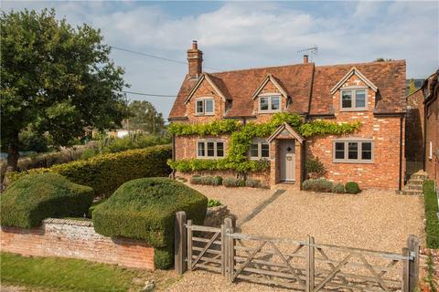 4 bedroom detached house for sale - Castle Street, Wingrave, Aylesbury, Buckinghamshire, HP22
