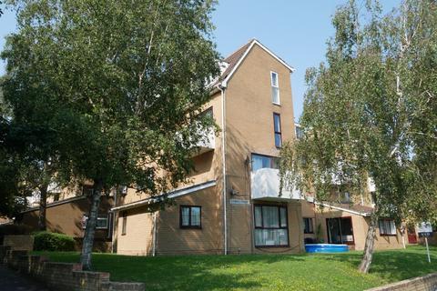 2 bedroom flat for sale - COWES COURT, FAREHAM