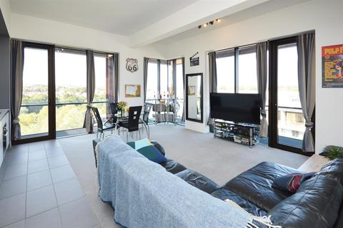 2 bedroom penthouse for sale - Lake Shore Drive, Bristol, BS13 7BH