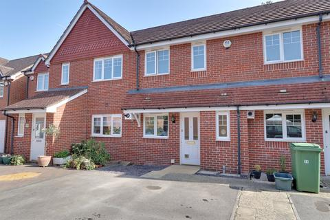 2 bedroom house for sale - Apple Dene, Bramley