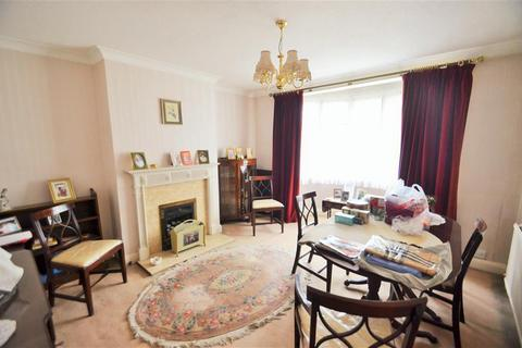 3 bedroom semi-detached house for sale - Syon Lane, Isleworth, Middlesex, TW7 5NQ
