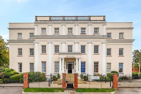 3 bedroom apartment for sale - Ashfield House, Bayshill Lane, Cheltenham, Gloucestershire, GL50