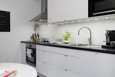 1 bedroom maisonette to rent - Forest Road, EN3 - Newly refurbished One Bedroom Maisonette On The First Floor.