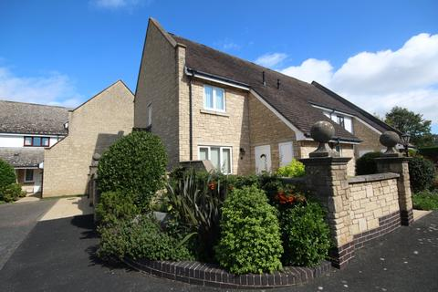 2 bedroom end of terrace house for sale - Gilders Paddock, Bishops Cleeve, Cheltenham, GL52