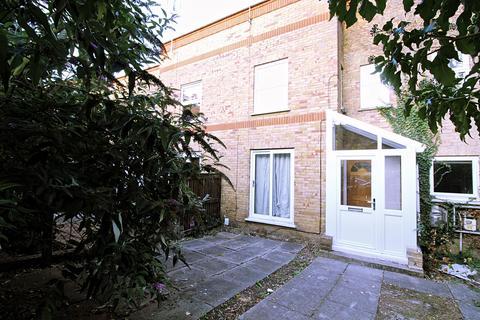 3 bedroom terraced house to rent - Robert Lowe Close, London , SE14