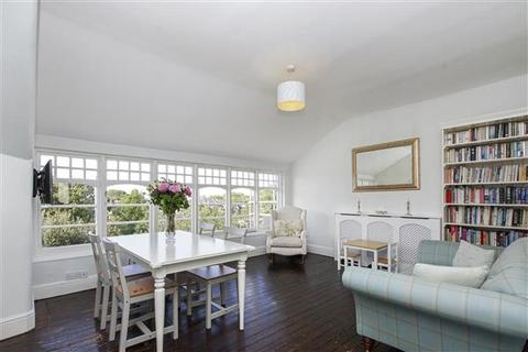 3 bedroom flat - Queens Avenue, Muswell Hill, London N10
