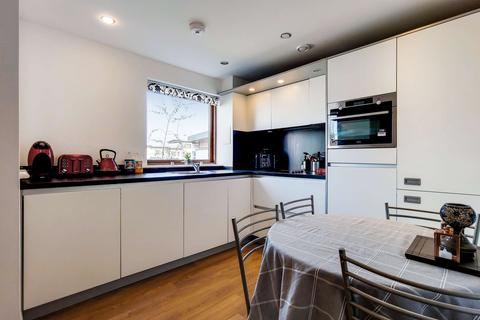 2 bedroom apartment for sale - Webb House , Trevithick Way , Bow, London E3