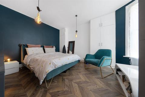 1 bedroom flat for sale - Latchmere Road, SW11