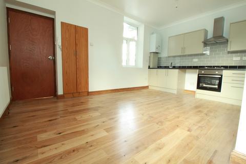 2 bedroom flat to rent - West Green Road, Turnpike Lane, N15
