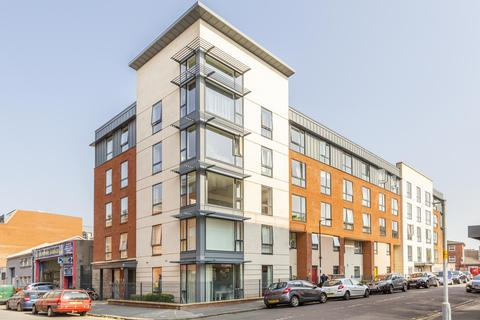 3 bedroom flat to rent - Flat  Portland View, Dean Street, BS2