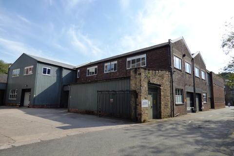 Industrial unit to rent - Saddleworth Business Park, Huddersfield Road, Delph, Oldham OL3