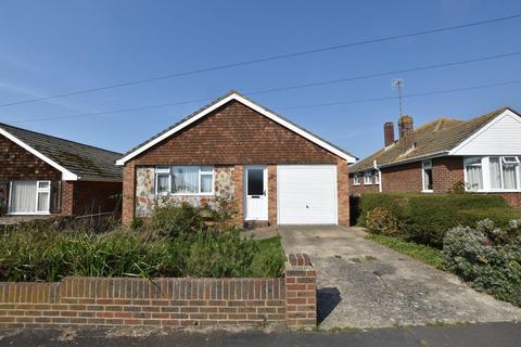 2 bedroom detached bungalow for sale - Sutton Avenue North, Peacehaven, BN10 7QL