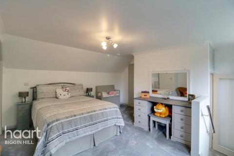 5 bedroom detached house - The Grove, Biggin Hill