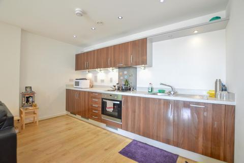 1 bedroom flat to rent - Guildford Road, Woking, Surrey, GU22