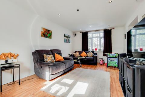 4 bedroom semi-detached house for sale - Radfield Way, Sidcup, DA15