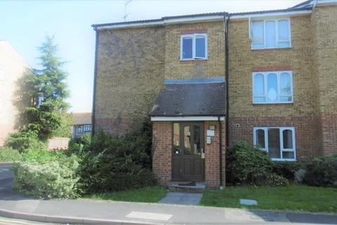 1 bedroom flat for sale - Frazer Close, ROMFORD, Greater London