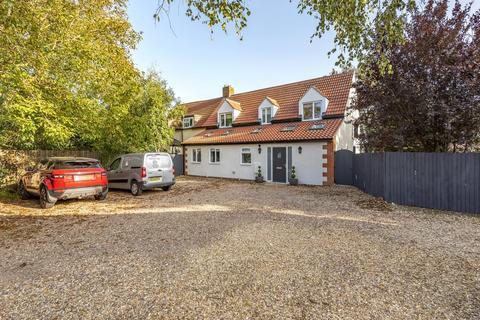 3 bedroom semi-detached house for sale - Harrowby Lane, Harrowby Hall Estate, NG31
