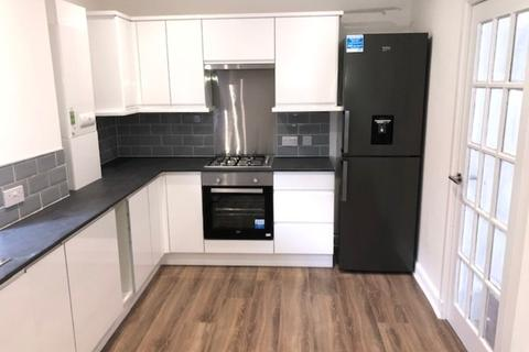 2 bedroom maisonette to rent - Barshaw Place, Ralston