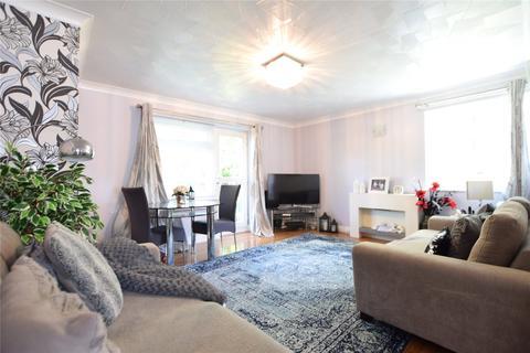 2 bedroom apartment to rent - Valerie Court, Bath Road, Reading, Berkshire, RG1