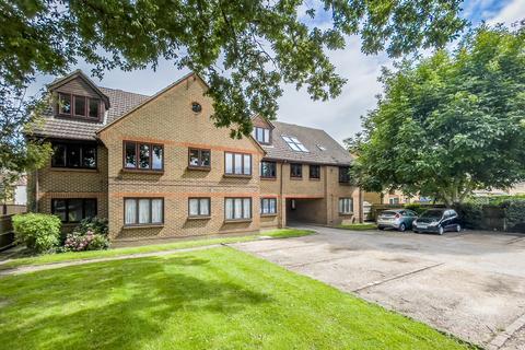 1 bedroom apartment to rent - Farm Road, Esher
