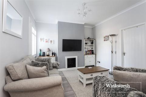 2 bedroom flat - Welbeck Road, East Barnet, EN4