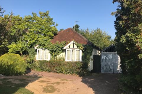 3 bedroom detached bungalow for sale - Bullfinch Lane, Sevenoaks, Kent