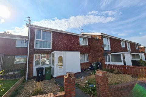 2 bedroom apartment for sale - College Road, Ashington - Two Bedroom First Floor Flat
