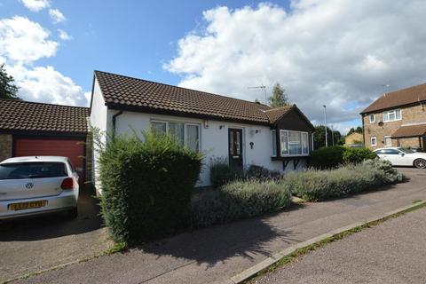 2 bedroom detached bungalow for sale - Repton Close, Bramingham, Luton, Bedfordshire, LU3 3UL