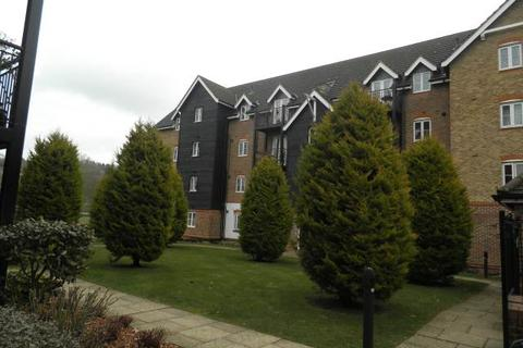 2 bedroom flat to rent - Wye Gardens, Fryers Lane, High Wycombe