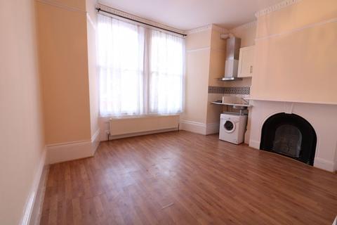 Studio to rent - Studio Flat to Rent