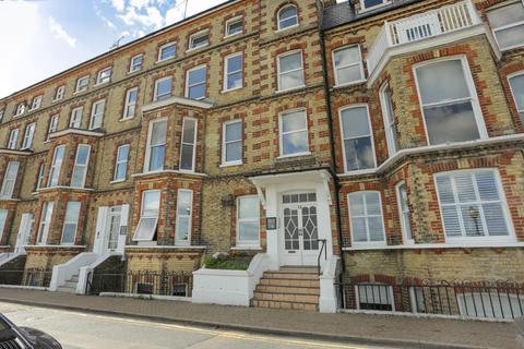 2 bedroom flat for sale - Victoria Parade, Broadstairs