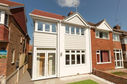 4 bedroom semi-detached house - The Vale, Broadstairs