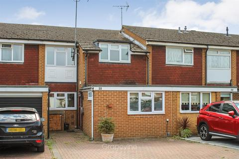 3 bedroom terraced house to rent - Mendip Close, Charvil, Reading