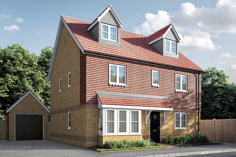 5 bedroom detached house for sale - Plot 111, The Fletcher at Berengrave Gardens, Berengrave Lane, Rainham, Kent ME8